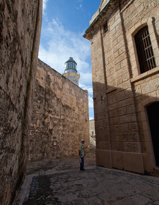 Enrizio, keeper of the Havana lighthouse, takes us on a visit through Castle Morro.